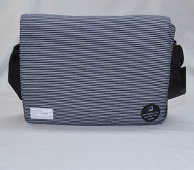 "HEX Fleet 15"" Messenger Bag - iPad - Laukut ja Lompakot - 4HX1085 - 1"